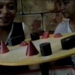 Permainan Asah Otak BoardGame Bamboleo di Strawberry Cafe