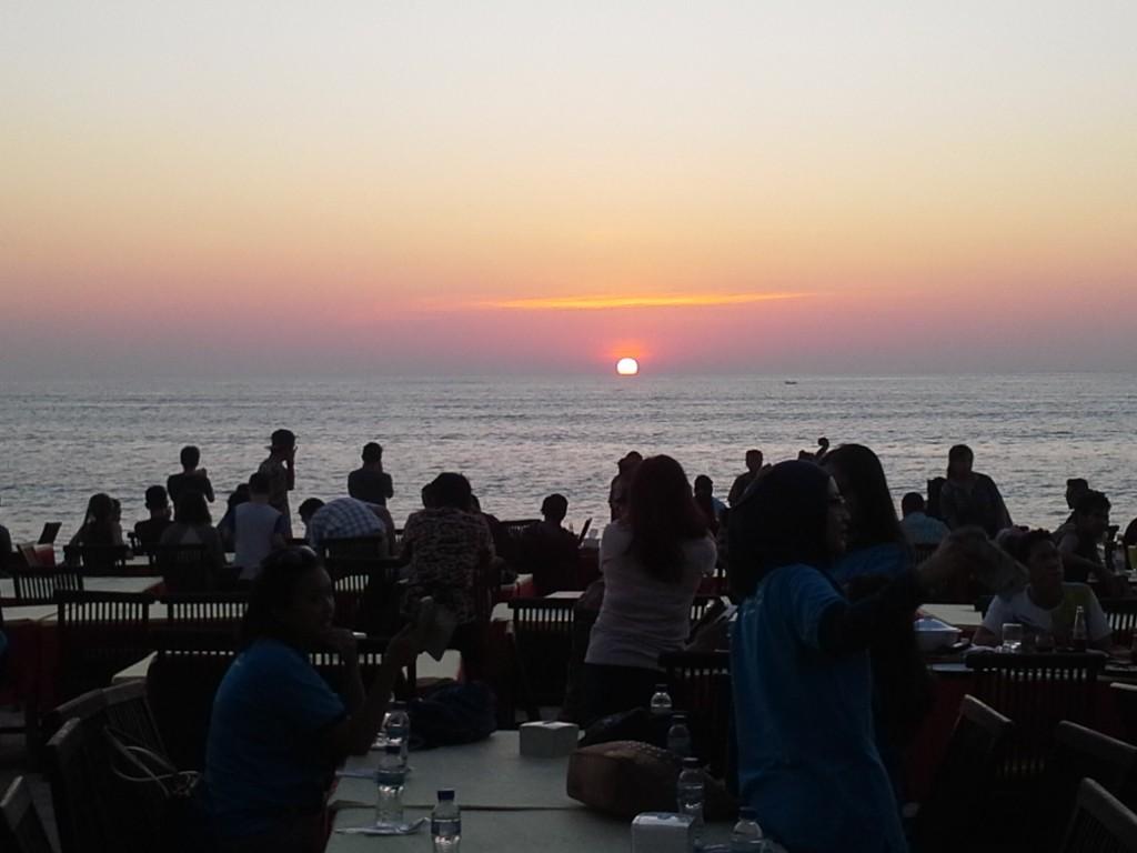 Tempat Wisata Alam di Bali Pantai Jimbaran Bay