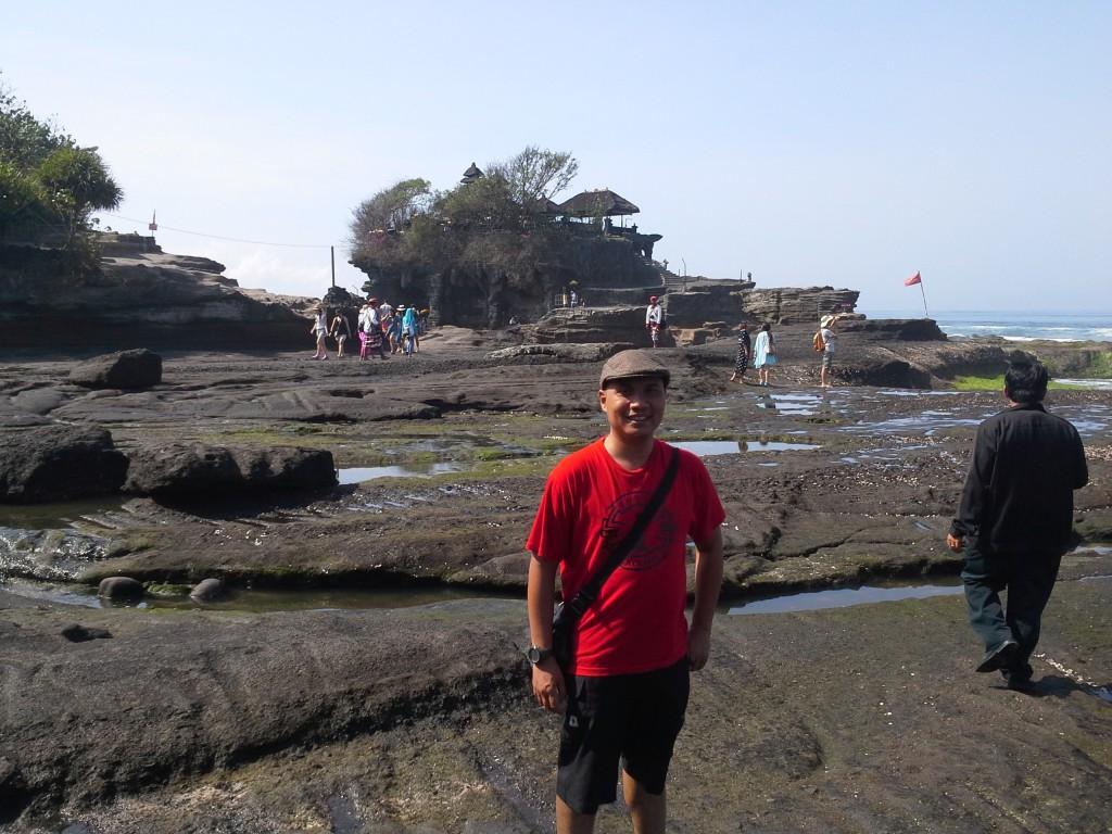Tempat Wisata Sejarah di Bali PantaiTanah Lot Cowok Ganteng Bali